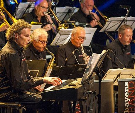 Frits Bayens Big Band feat. Robert Brekelmans