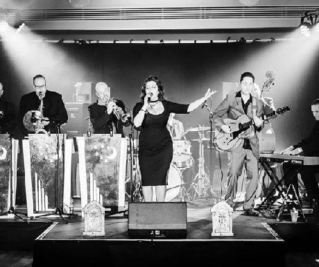 Laura B and her band